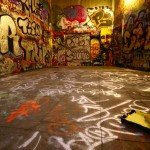 Image of graffiti in an abandoned room to illustrate the role of writing for better memory when using a Memory Palace
