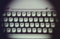 Image of a Hebrew typewriter