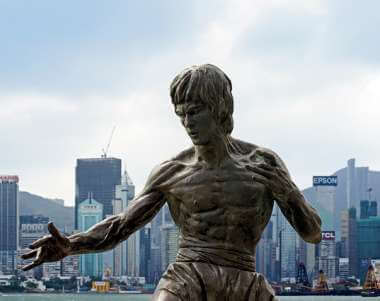 Bruce Lee statue to express memory method flexibility benefits