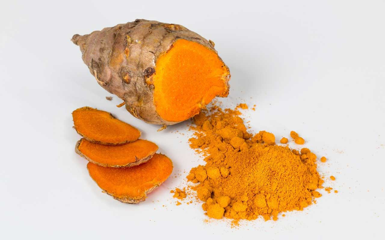 Turmeric root and powdered turmeric are good food sources of curcumin.