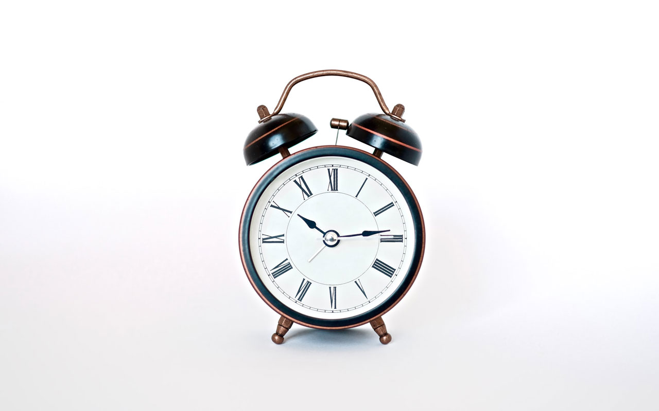 An alarm clock with hands, like the one you can use to create a Major System combined with a Mind Map.