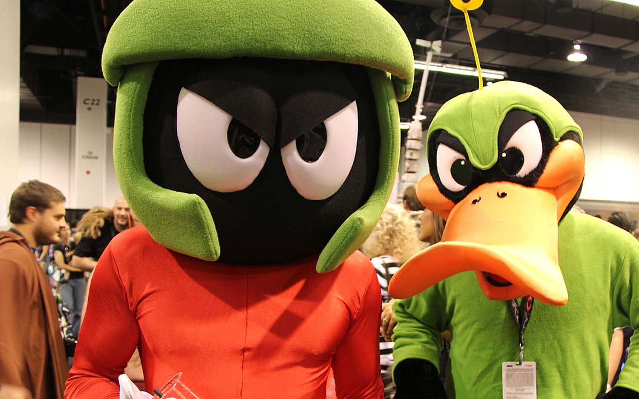 Marvin the Martian attends a comic book convention.
