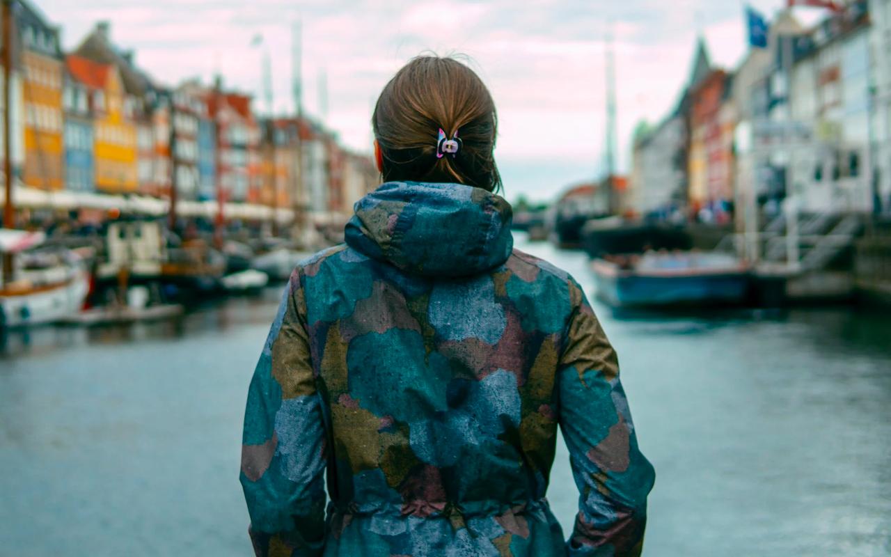 a woman is in Danmark