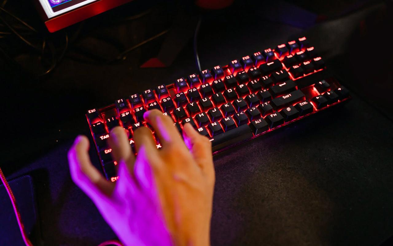 typing keyboard